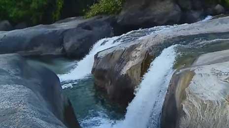 Arippara Waterfalls